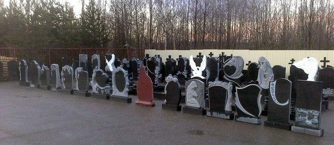 Резные памятники Архангельск Лампадка из габбро-диабаза резная Новочебоксарск